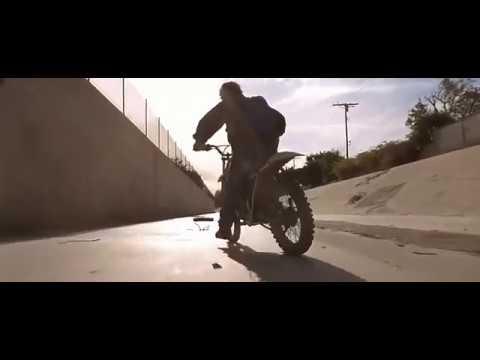 Terminator 2 Tow Truck Harley Bike Chase Scene