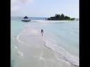 Врачи рекомендуют утром бежать по пляжу, а не на работу