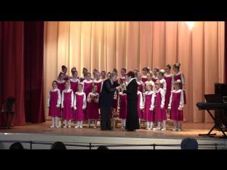 Роднички на гала-концерте конкурса Консонанс поют песню Песня птиц и получают заслуженную награду.