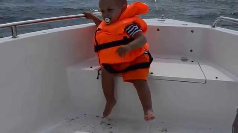 Моряк со свистком