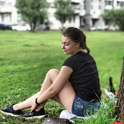 Анна Огнянко