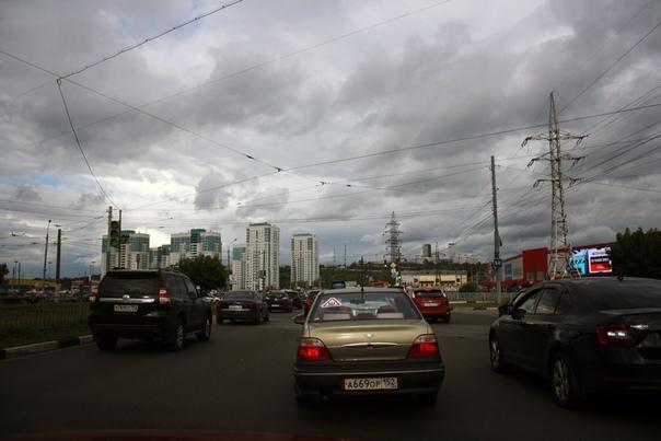 Проезд по Комсомольской площади.