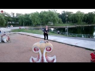 прыгаем и лазим в парке