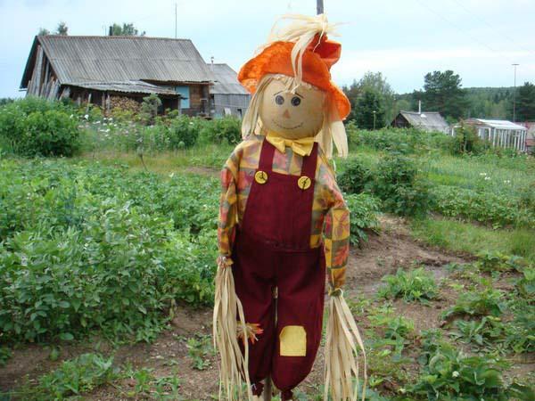 Чучело в огороде должно быть красивым)))))