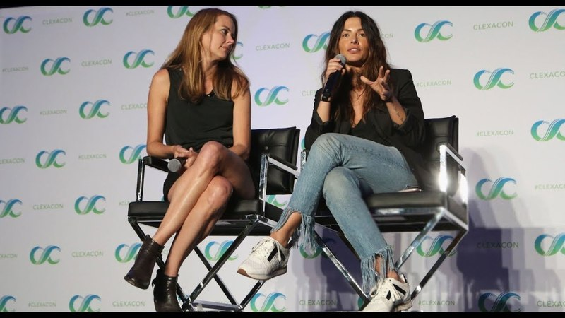 Shoot Reunion Panel @ ClexaCon 2018 - Amy Acker Sarah Shahi