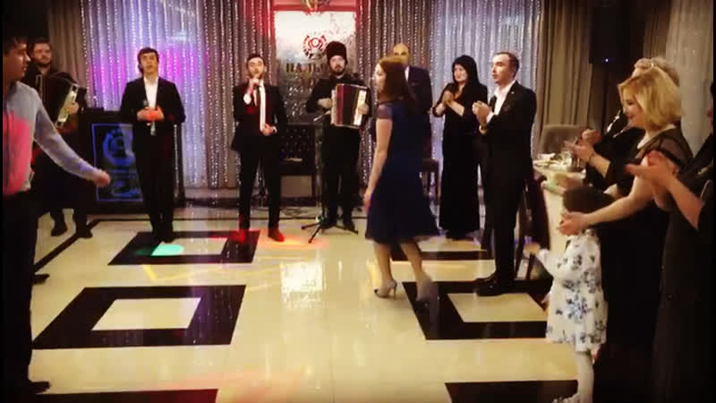 Супер МЕГА танец мой 😂😂😎старался 🤷🏻♂️
