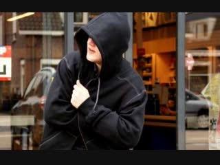 В Чебоксарах ищут парня, укравшего из магазина 11 флаконов шампуня