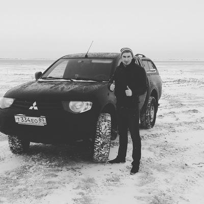 Александр Ларионов