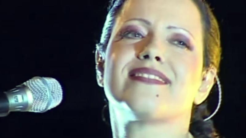 Antonella Ruggiero - Kyrie (Missa Luba) live