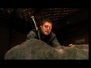 Сверхъестественное прикол - меч в камне (хорошее настроение, юмор, смешное видео, король Артур, музей, добро и зло, оружие).