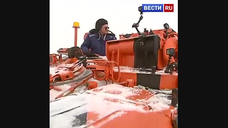 Необычную бронированную технику показали в аэропорту Домодедово