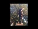 Подросток помочился с мемориала Великой Отечественной в Харькове