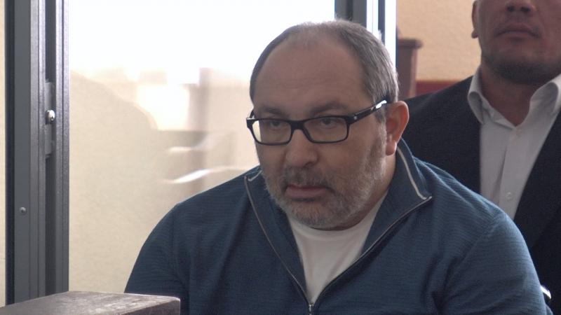 Адвокати Геннадія Кернеса подали скаргу до Генпрокуратури з вимогою притягнути до відповідальності всю групу обвинувачів у справ
