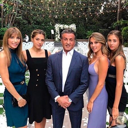 Сильвестр Сталлоне поделился с поклонниками семейным снимком