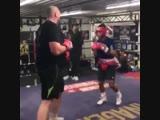 🎬Кид Галахад боксер полулегкого веса погонял в ринге тяжеловеса Тайсна Фьюри🥊😁
