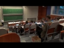 Студент на лекции с печатной машинкой