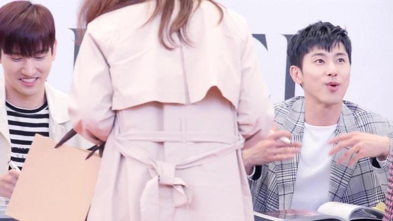 윤호 앞에서 춤추는 팬 YunHos fan dance _ 동방신기 東方神起 TVXQ 팬싸인회 Fansign Event _ 하남 스타필드