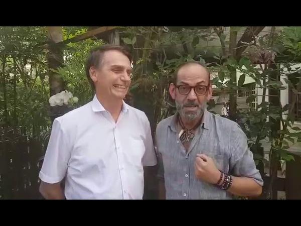 Maquiador Lili Ferraz visita e vota Jair Bolsonaro.