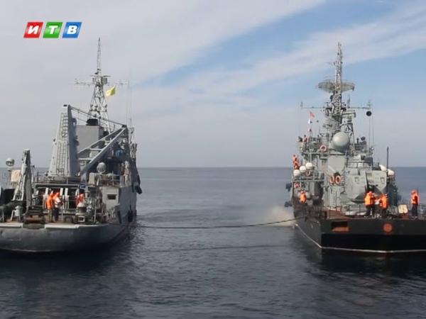 Перегрузка торпеды без постановки судов на якорь