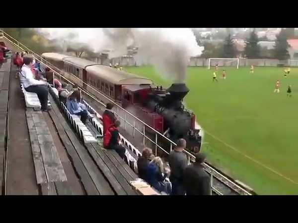 The scenes from a Slovakian Third Division stadium 😂🚂👏