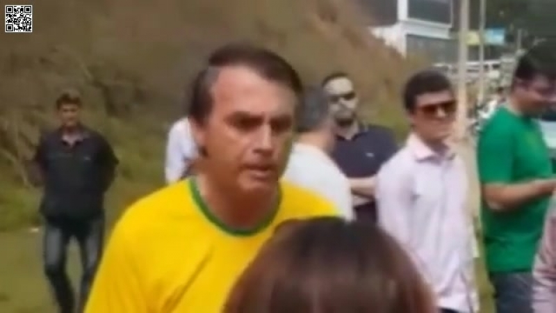 Estou botando o meu na reta por vocês! Diz Bolsonaro horas antes de ser esfaqueado por petista no meio do povo!