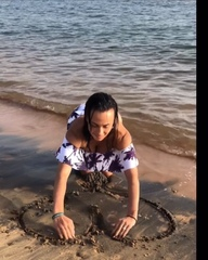 """DJ NANA on Instagram: """"В детстве я могла часами сидеть на берегу и строить замки и дворцы из песка. Представляя какого цвета у меня будет каждая ко..."""
