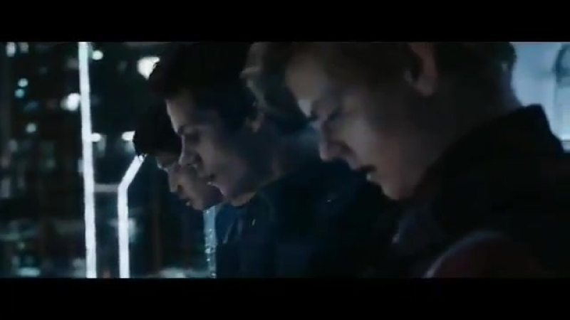 The Maze Runner: The Death Cure. Newt reading a letter