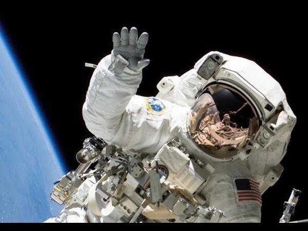 СКЕЛЕТ В СКАФАНДРЕ НАСА ПРОЛЕТЕЛ МИМО ОБЪЕКТИВА КАМЕРЫ. КАК ВЫЛОВИЛИ НЕИЗВЕСТНОГО КОСМОНАВТА