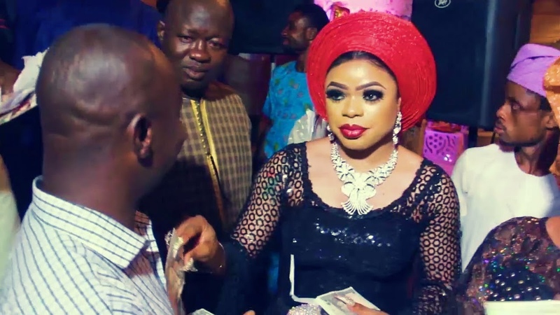Bobrisky sprays money at a wedding after N500k bounce cheque allegation by Muslim clerics