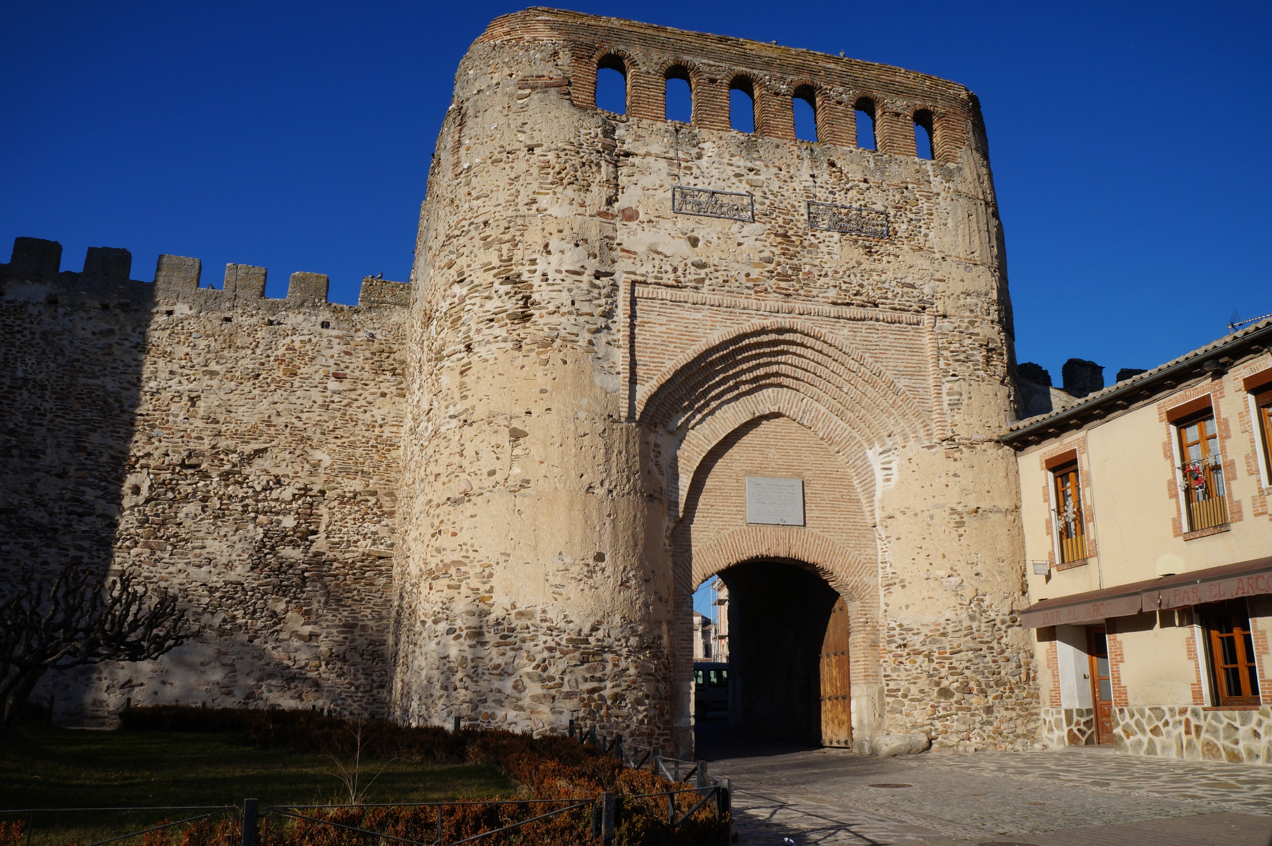 Город Кока, Феодосий Великий и замок
