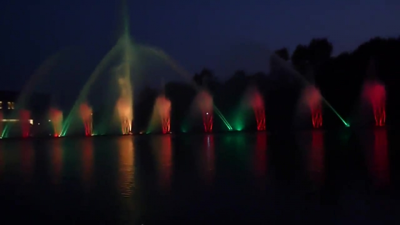 Плавучий светомузыкальный фонтан Roshen г. Винница