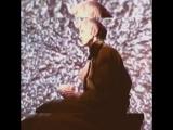 Дэвид БоуиЭксперимент на фоне телевизора