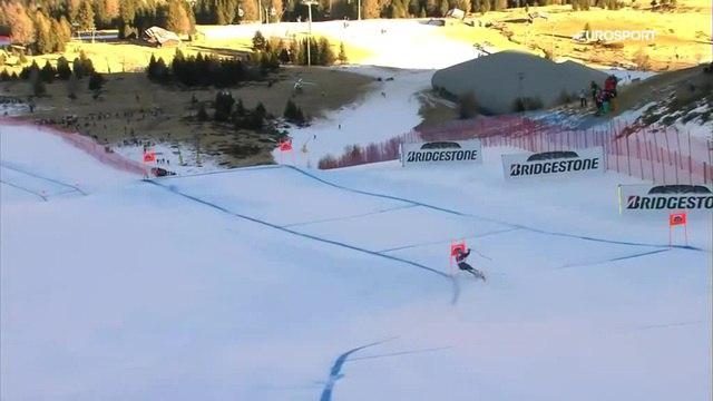 Слалом-гигант. Итальянский лыжник снес ворота на трассе