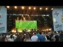 Liam Gallagher no quiso perderse el EnglandvsCroatia en su concierto puso de fondo el partido en directo -