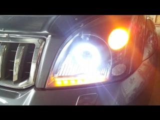 Toyota Prado. Бегущий поворот Crystal LED DRL