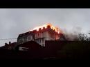 В Сочи загорелась пятиэтажка