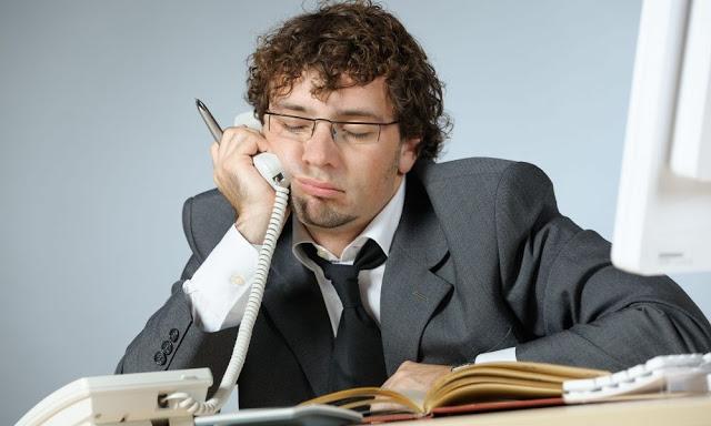 Плохая производительность на работе является проблемой, обычно связанной с биполярной манией.