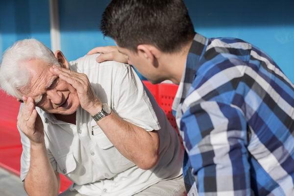 Симптомы биполярной мании широко варьируются от человека к человеку.