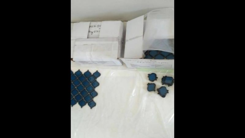 Кухня в голубых тонах Фартук