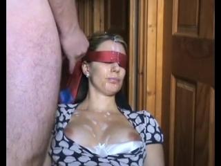 Порно кончил маме на лице