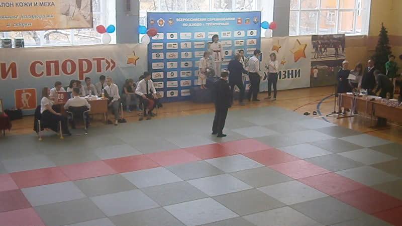 награждение турнир памяти И. Такташева , 2 - место Дарьи Акимжановой
