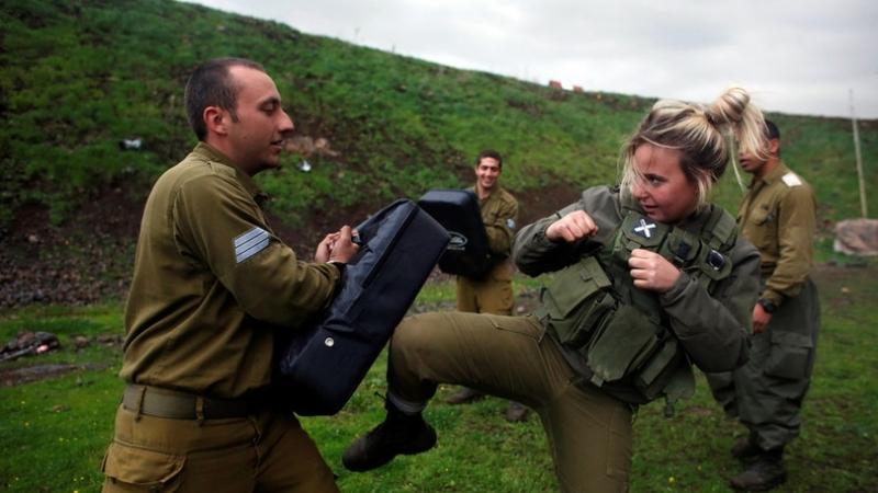 Afrique du Sud des fermiers blancs entraînés par dex-forces spéciales israéliennes — RT en français