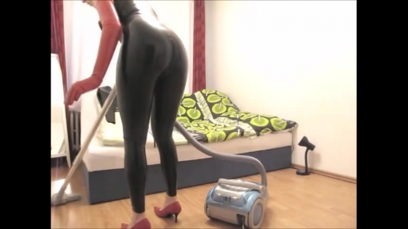 The Latex Housewife - Ep1 vacuum cleaner