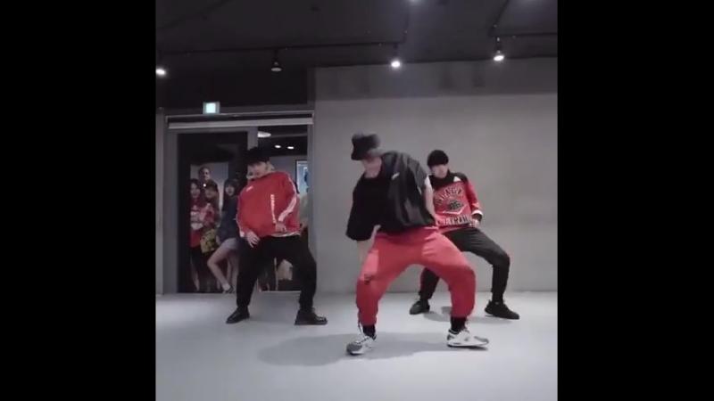 привет вонджэ ты че танцуешь