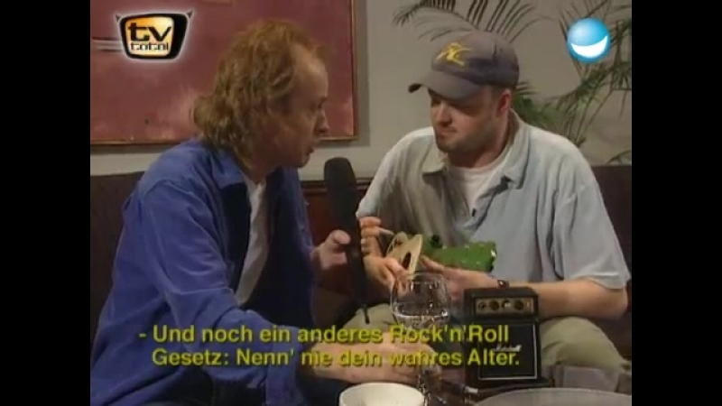 Stefan Raab vs. Angus Young von ACDC