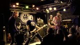 CJ Ramone ft. Evan October (Isotopes) - SHEENA IS A PUNK ROCKER (LIVE IN UK)