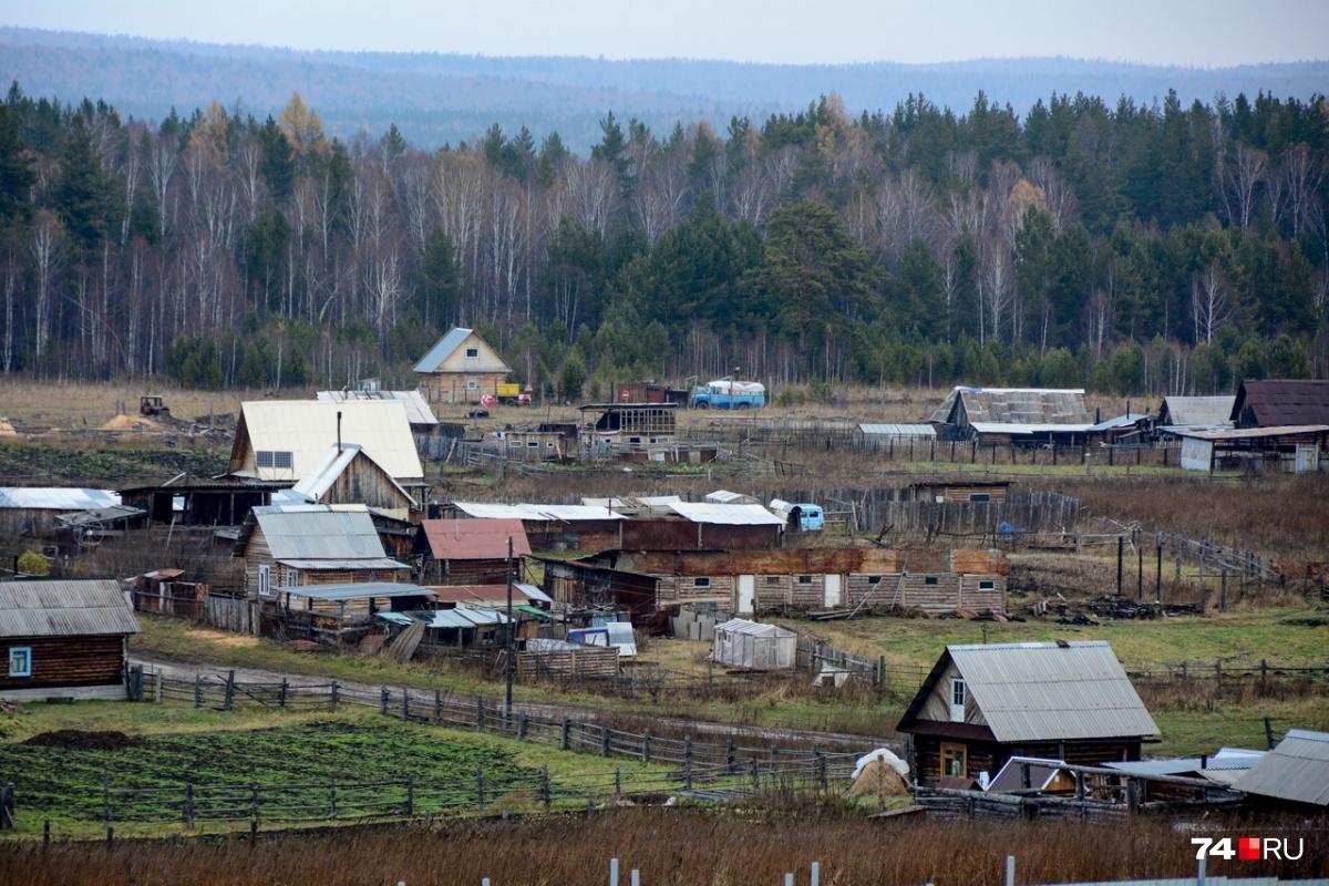 Без газа, света и дорог: рассказываем, как живут люди в самом уединённом селе Челябинской области.