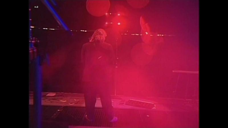 Pink Floyd - Shine On You Crazy Diamond 1990 Live.mp4