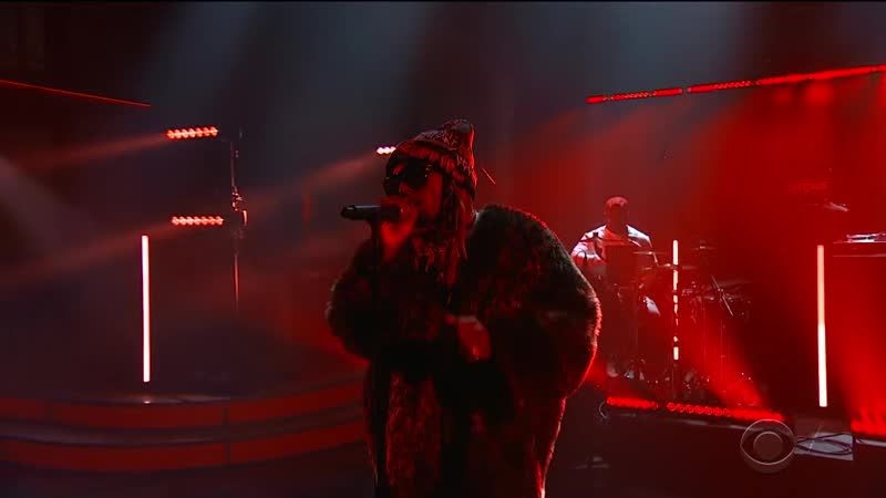 Lil Wayne Performs Dont Cry