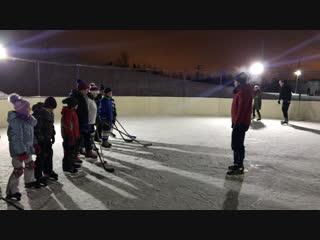 Вечерняя хоккейная тренировка